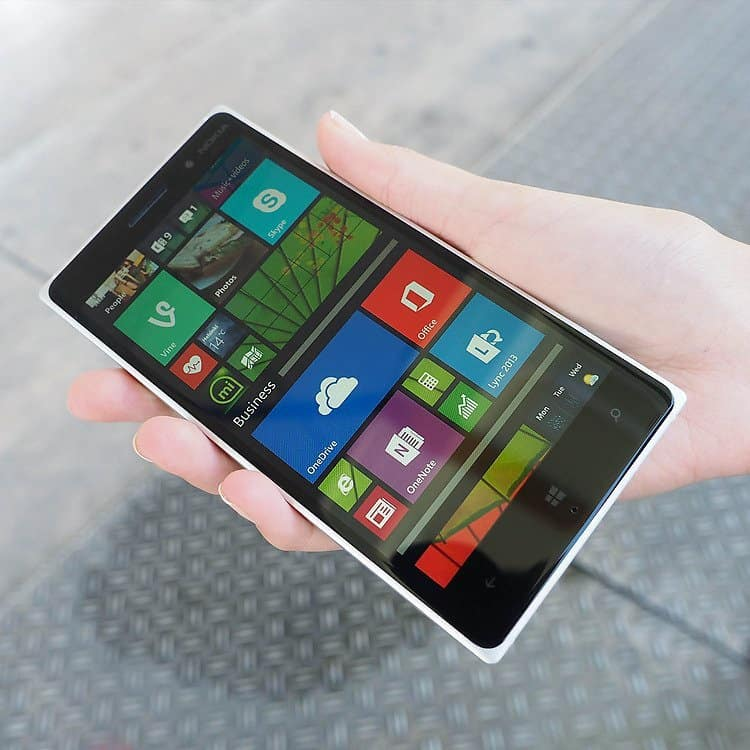 Lumia-830-windows-display