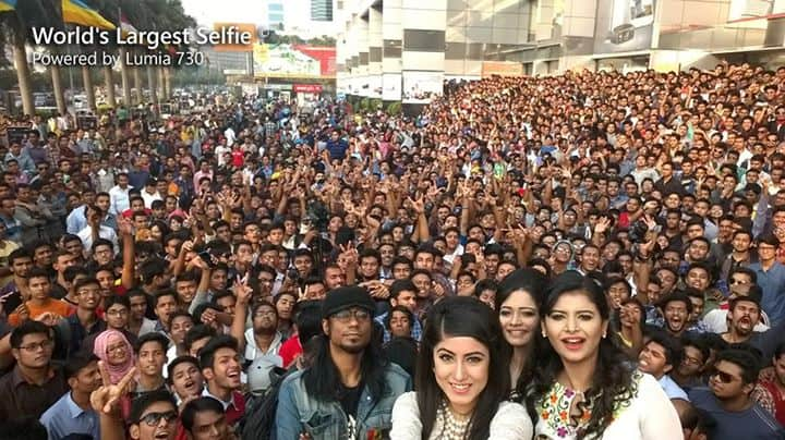 world's largest selfie taken with Lumia 730 5MP