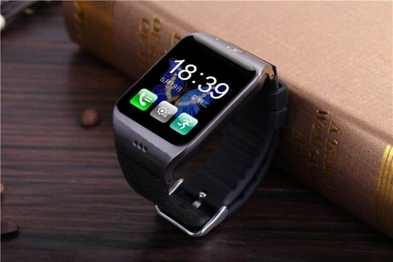 LG118 smartwatch-display