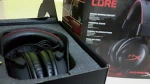 Kingston HyperX cloud core - Unboxing-showing-gaming-headset