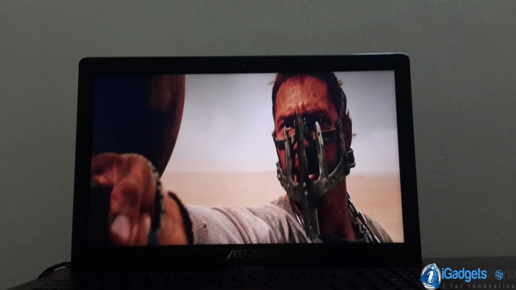 Asus-R510J-Review---Mad-Max-Fury-Road---Movie-Screen---5