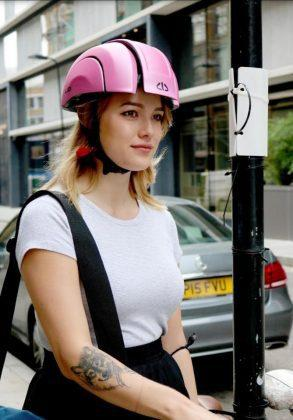 Plico - A Foldable Commuter Bike Helmet That fits Right in your Bag! - 7
