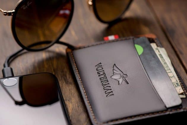 What if I Tell You, I found a Wallet that can Charge Your Phone, Give Wi-Fi Access, Catch Thief and much more! - 4