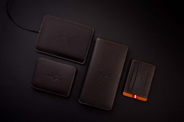 What if I Tell You, I found a Wallet that can Charge Your Phone, Give Wi-Fi Access, Catch Thief and much more! - 5