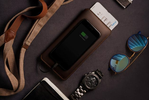 What if I Tell You, I found a Wallet that can Charge Your Phone, Give Wi-Fi Access, Catch Thief and much more! - 9